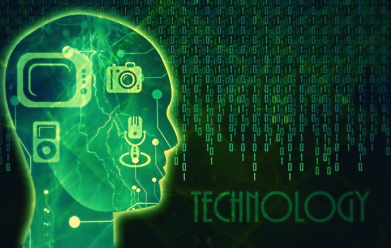 Kopfsilhouette mit Techniksymbolen vor Matrixwand aus Binärzahlen